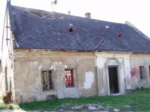 Rekonštrukcia strechy urbarský dom - Trenčín, Záblatie